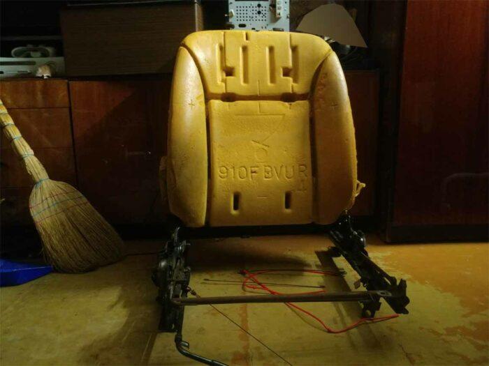 Кресло Toyota Corona разобранное. ST190 ST195