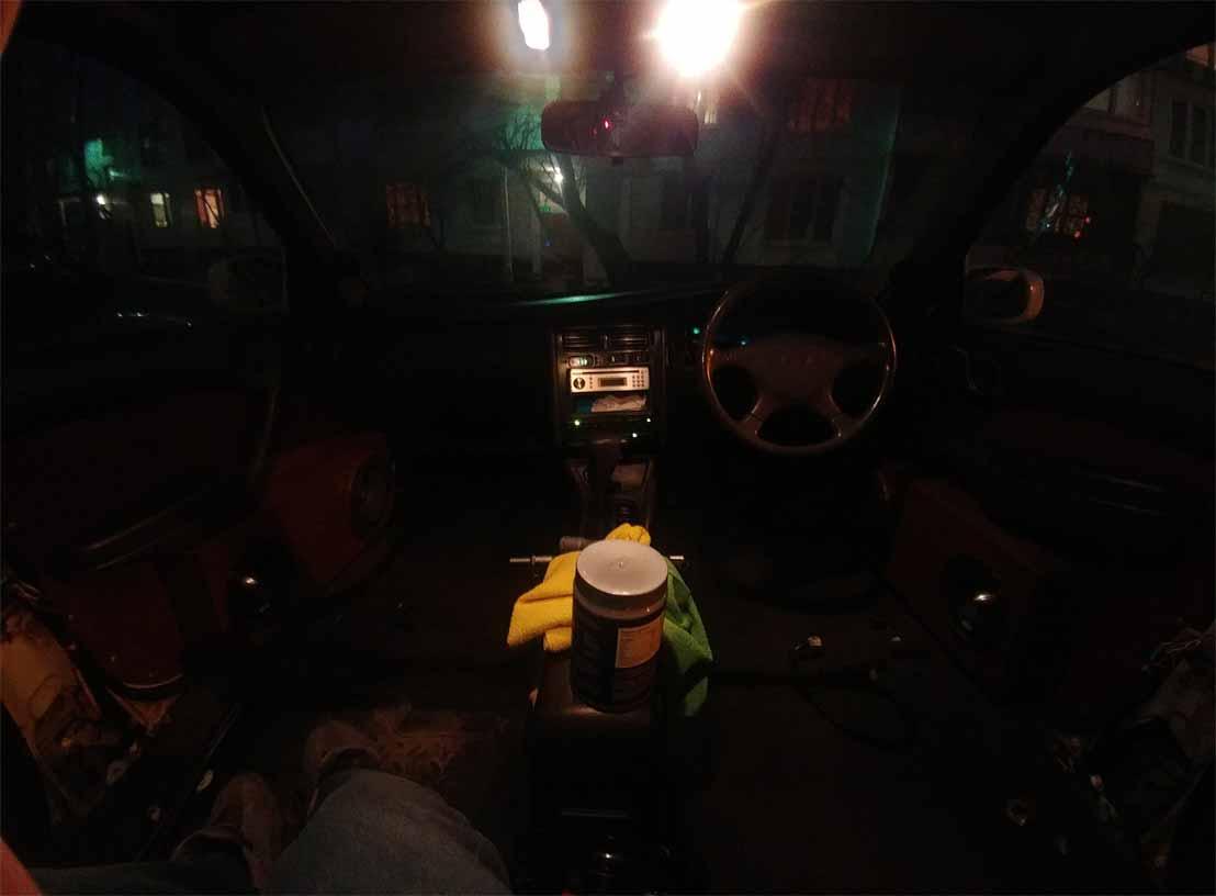 Салон Toyota Corona ST195
