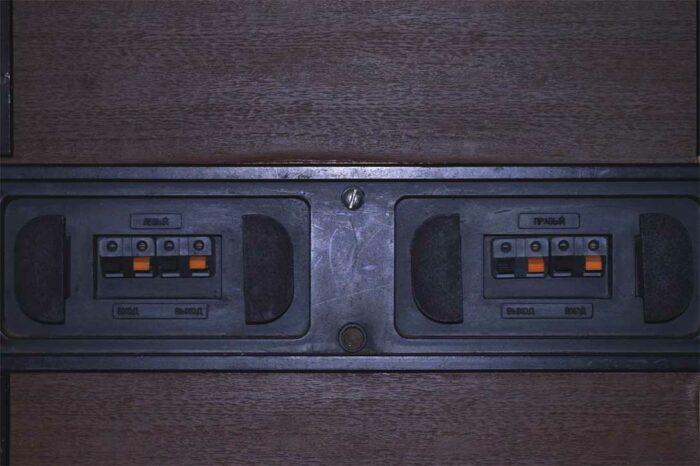 Тумба от домашней аудиосистемы Орбита 50АС-125, вид сзади