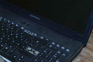Старый ноутбук HP Compaq Presario CQ61-335ER на Core2Duo T6600 DDR2 4 GB RAM NVidia G103M
